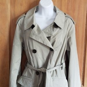 Marc by Marc Jacobs tan trench M